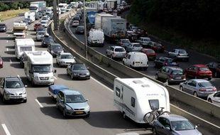 Embouteillage lors des départs en vacances sur l'autoroute A7 à Lyon