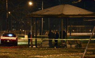 La police de Cleveland enquête sur la scène où un enfant de 12 ans a été abattu par un policier, le 22 novembre 2014