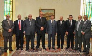 Le procureur général égyptien Abdel Meguid Mahmoud a été maintenu samedi à son poste, à l'issue d'une rencontre avec le président Mohamed Morsi qui avait tenté de le limoger deux jours auparavant, provoquant une nouvelle crise en Egypte.