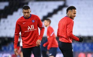 Mbappé et Neymar à l'échauffement avant PSG-Bayern en quart de finale retour de Ligue des champions, le 13 avril 2021.