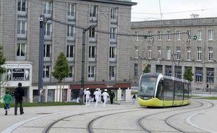 Un homme a été percuté par un tramway lundi soir à Brest.