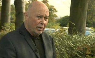Colin Farmer, un Britannique aveugle âgé de 61 ans témoigne le 18 octobre 2012, après avoir été tasé par un policier, à Chorley, dans le Lancashire.