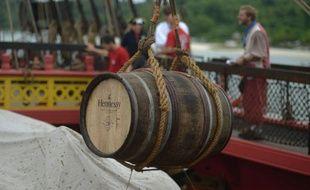 Un baril de très vieux cognac embarqué au bord de l'Hermione en 2015
