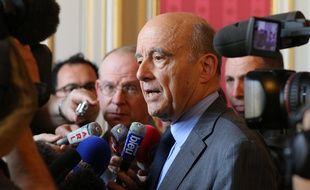 Alain Juppé en conférence de presse le 2 mai 2016 à Bordeaux
