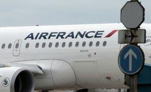 Un avion Air France à l'aéroport de Roissy le 21 juin 2012