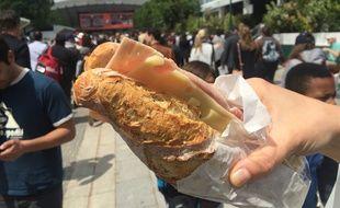 Un sandwich jambon-fromage à Roland-Garros le 25 mai 2016.
