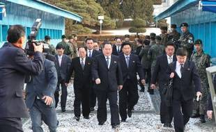 Les délégations de Séoul et de Pyongyang se sont rencontrées le 9 janvier 2017, une première en deux ans. Les discussions se sont tenues à Panmunjom, village frontalier où fut signé le cessez-le-feu, dans la zone démilitarisée (DMZ) qui divise la péninsule.