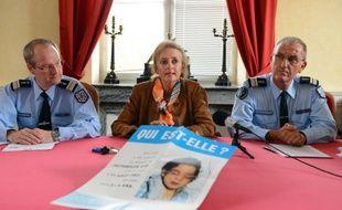 La justice et la gendarmerie ont lancé lundi un nouvel appel à témoin 25 ans après la découverte du corps d'une fillette non identifiée au bord de l'autoroute près de Blois.