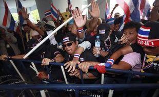 Des manifestants anti-gouvernement le 30 novembre 2013 àBangkok (Thaïlande).