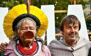 Nicolas Hulot et le chef autochtone amazonien Raoni à Bordeaux, le 7 septembre 2019.