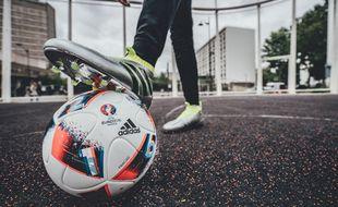 Ce lundi 20 juin, Adidas a dévoilé « Fracas », le ballon de la phase finale de l'Euro 2016.
