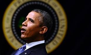 Le président Barack Obama a mis en garde ses adversaires républicains lundi dans la perspective des combats budgétaires de l'automne, en marquant le cinquième anniversaire de la crise financière de 2008.