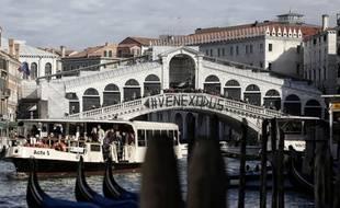 Le pont du Rialto, à Venise