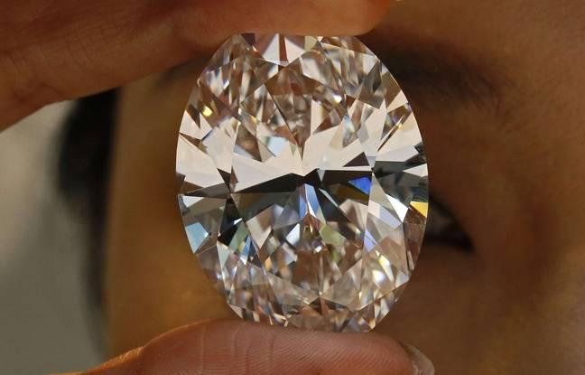 Un diamant blanc de plus de 102 carats mis aux enchères à Hong Kong