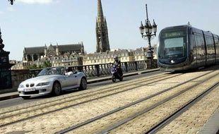 Les transports publics ont encore du mal à distancer la voiture