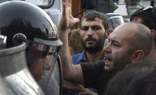 Des heurts ont eu lieu entre policiers et manifestants à Erevan, en Arménie.