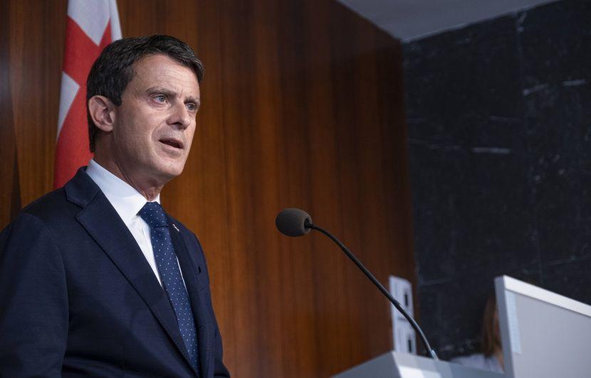 Espagne: Manuel Valls traite d'«irresponsables» ses anciens alliés