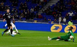 Moussa Dembélé a ouvert le score ce mercredi contre le Stade Brestois. JEAN-PHILIPPE KSIAZEK