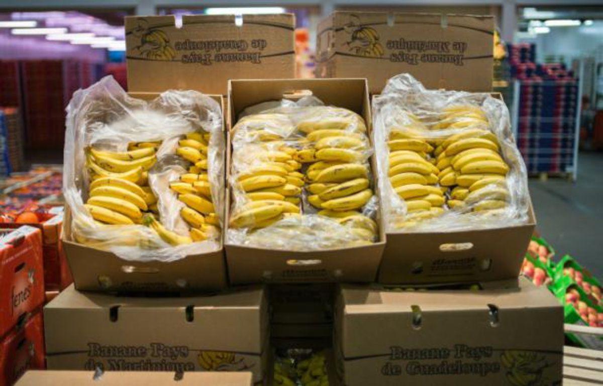 Des bananes produites en Guadeloupe, vendues au marché de Rungis près de Paris, le 23 décembre 2014 – LIONEL BONAVENTURE AFP