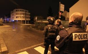 Le GIPN a délogé le forcené, retranché plusieurs heures au domicile de son ex-compagne à Chantepie, près de Rennes.