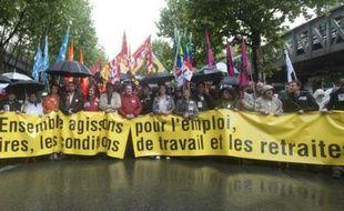 Les syndicats défilaient à Paris, jeudi 27 mai 2010, contre la réforme des retraites du gouvernement.