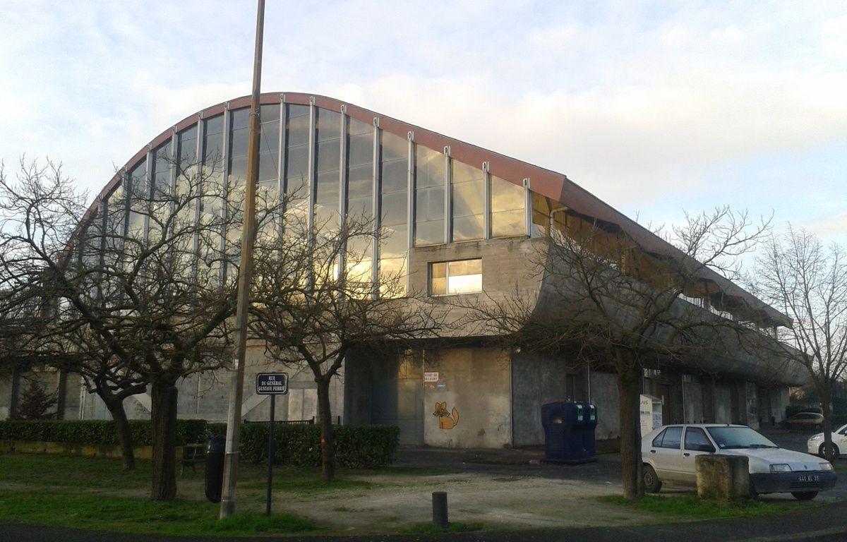 A Bordeaux, le 21 janvier 2014, la pisicne Galin est fermÈe pour cause de travaux. – E.Provenzano / 20 Minutes