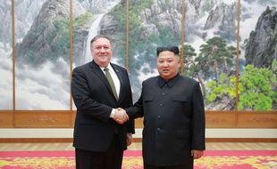 Le chef de la diplomatie américaine Mike Pompeo (à gauche) a rencontré le dirigeant nord-coréen Kim Jong-un le 7 octobre en vue de l'organisation dun deuxième sommet.