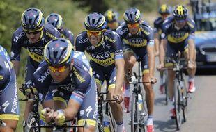 Les coureurs de l'équipe Saxo Bank, lors d'un entraînement en Corse le 27 juin 2013 à Porto-Vecchio.