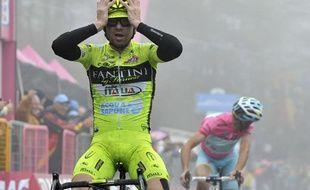 Le coureur italien Mauro Santambrogio lors de sa victoire sur la 14e étape du Tour d'Italie le 18 mai 2013 .