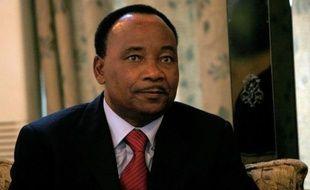 """Le président nigérien Mahamadou Issoufou a déclaré jeudi sur le chaîne France 24 que les six otages français retenus au Sahel étaient """"vivants"""" et """"en bonne santé""""."""
