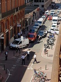 Le commissariat de la rue du rempart Saint-Etienne à Toulouse après l'agression d'un policier, le 30 août 2016.