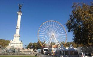 Le 1er octobre 2014, installation de la grande roue de la Foire aux plaisirs de Bordeaux