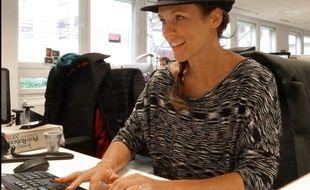La chanteuse Lorie Pester en chat chez 20 Minutes, le 26 janvier 2016.