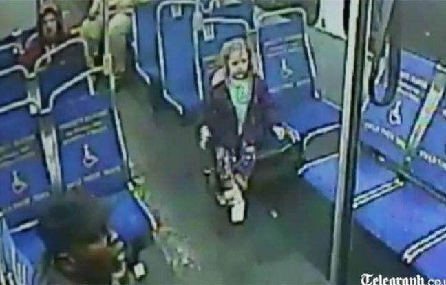 a 4 ans elle prend seule le bus en pleine nuit pour s 39 acheter une glace. Black Bedroom Furniture Sets. Home Design Ideas