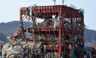 Un immeuble détruit par le tsunami dans le village de Tanohata, le 14 mars 2011.