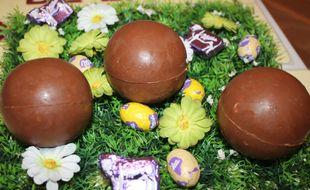 Des œufs surprise en chocolats faits maison