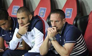 Franck Ribéry, sur le banc, lors du match nul de l'équipe de France face au Paraguay (1-1) dimanche soir.