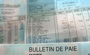 En 2010, le salaire net moyen dans le secteur privé et les entreprises publiques était de 2.082 euros par mois en France, selon une étude du ministère du Travail (Dares) publiée jeudi.