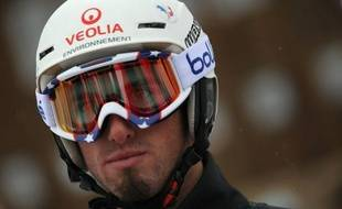 Pierre Vaultier a remporté la Coupe du monde de snowboardcross pour la troisième fois de sa carrière, au terme de l'avant dernière épreuve de la saison mercredi à Valmalenco en Italie, mais le Français s'est blessé à une cheville et a dû abandonner en demi-finales.