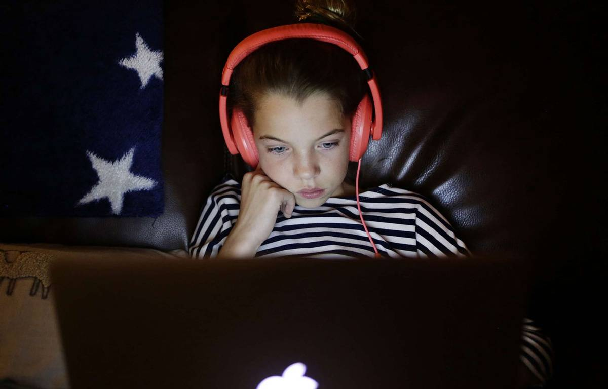 Accros aux écrans, les enfants ne pratiquent pas assez d'activité physique, ce qui peut avoir des conséquences sur leur santé. – SIPANY/SIPA
