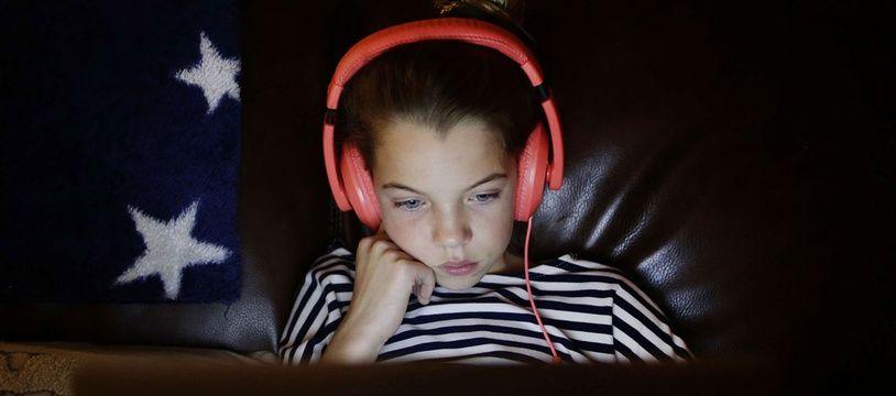 Accros aux écrans, les enfants ne pratiquent pas assez d'activité physique, ce qui peut avoir des conséquences sur leur santé.