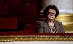 """- Christine Boutin, présidente du Parti chrétien-démocrate: """"Ce pape argentin me semble être l'homme de la situation (avec ) un vrai questionnement par rapport au capitalisme, au libéralisme"""". """"Il peut avoir le courage de réformes plus importantes que s'il avait l'espérance d'un mandat très long"""". (sur i>TELE)"""