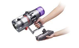 L'aspirateur balai Dyson V11 Absolute Extra et son air de gadget pour film de science-fiction.