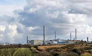 Un convoi de déchets nucléaires retraités à l'usine Areva de la Hague (Manche) s'apprête à quitter la Normandie pour l'Allemagne où les antinucléaires l'attendent de pied ferme, alors que le débat sur l'atome s'enflamme à nouveau outre-Rhin.