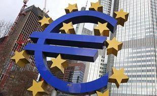 La zone euro a affiché une croissance de 0,3% au quatrième trimestre 2014, a confirmé le 6 mars 2015 l'office européen des statistiques Eurostat