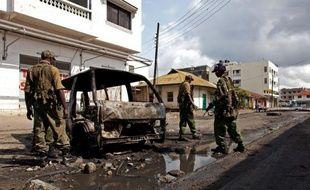 """Le Premier ministre kényan Raila Odinga a prévenu mercredi qu'il ne laisserait pas s'installer une """"guerre de religions"""" entre chrétiens et musulmans, après deux jours d'émeutes déclenchées par le meurtre du prêcheur islamiste Aboud Rogo Mohammed dans la ville côtière de Mombasa."""