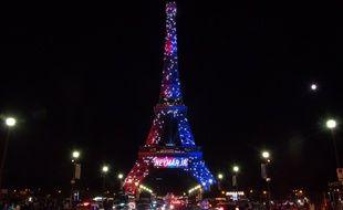 La Tour Eiffel accueille Neymar, le 5 août 2017.
