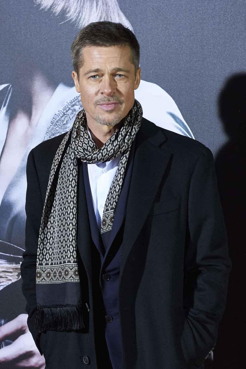 Brad Pitt blanchi par ...