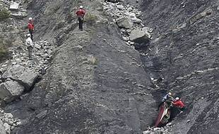 Sur la zone du crash de l'A320 de Germanwings, le 25 mars 2015.