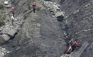 Sur la zone du crash de l'A320 de Germanwings, le 25 mars 2015.